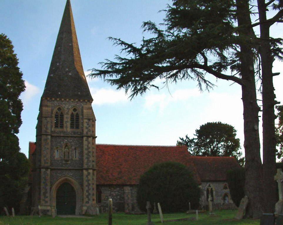 SHERFIELD-UPON-LODDON (ST. LEONARD) CHURCHYARD - CWGC