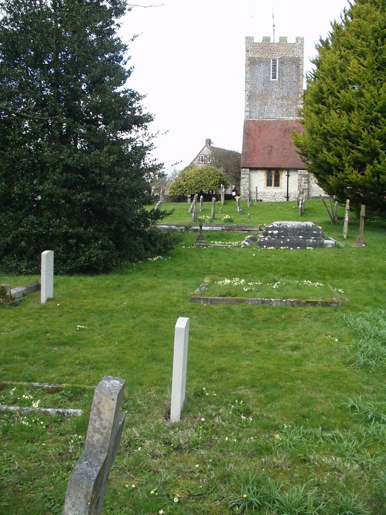 BURITON (ST. MARY) CHURCHYARD - CWGC
