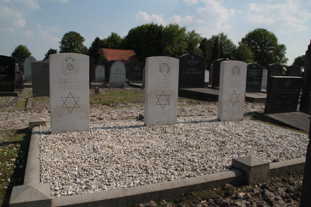 PUTTE JEWISH CEMETERY - CWGC
