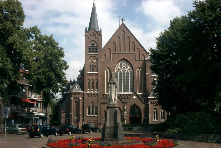ST. OEDENRODE ROMAN CATHOLIC CHURCHYARD - CWGC