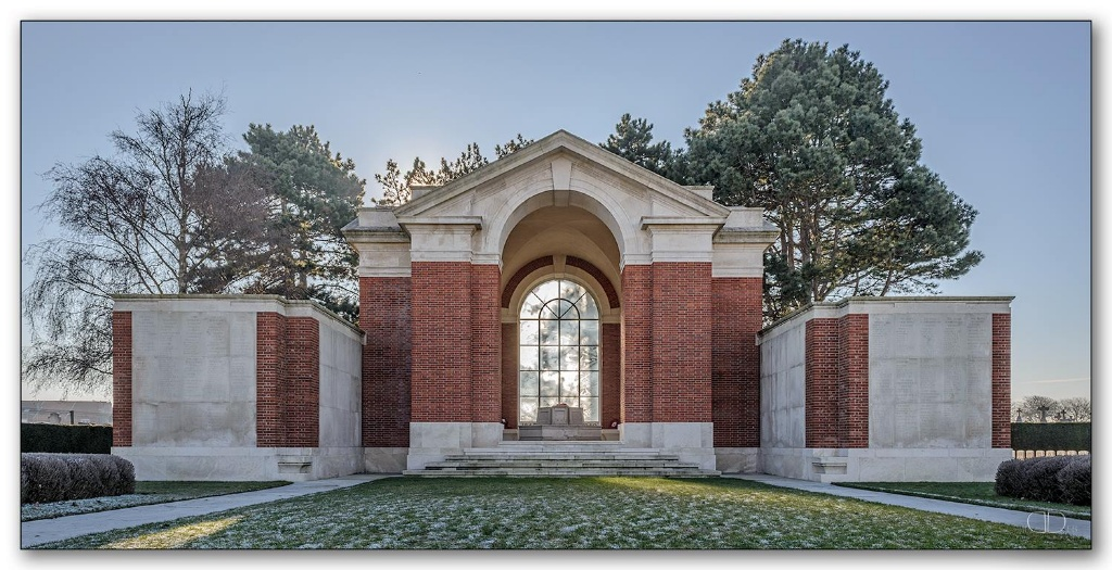 DUNKIRK MEMORIAL - CWGC