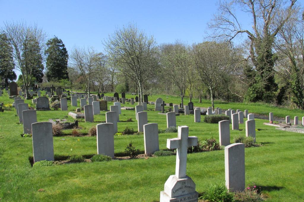 PLYMOUTH (FORD PARK) CEMETERY - CWGC