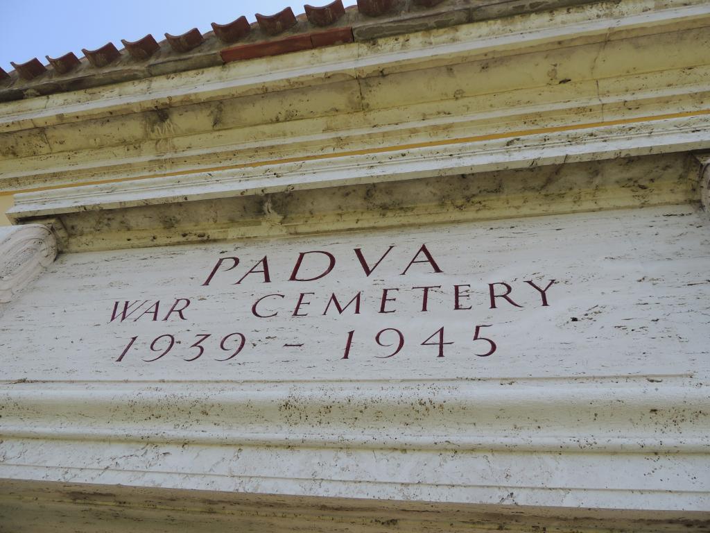 PADUA WAR CEMETERY - CWGC