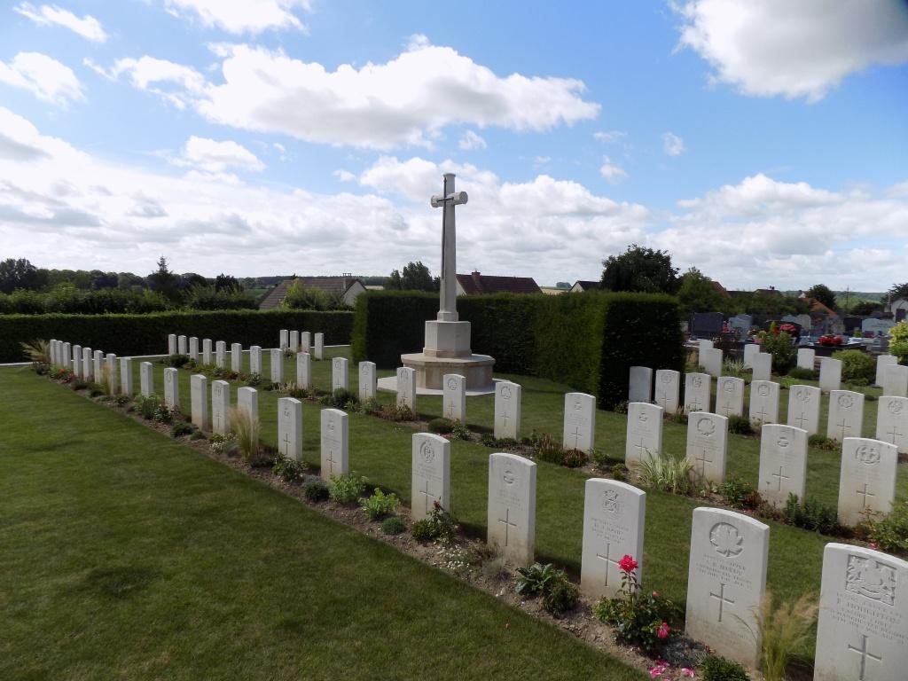 ST. RIQUIER BRITISH CEMETERY - CWGC