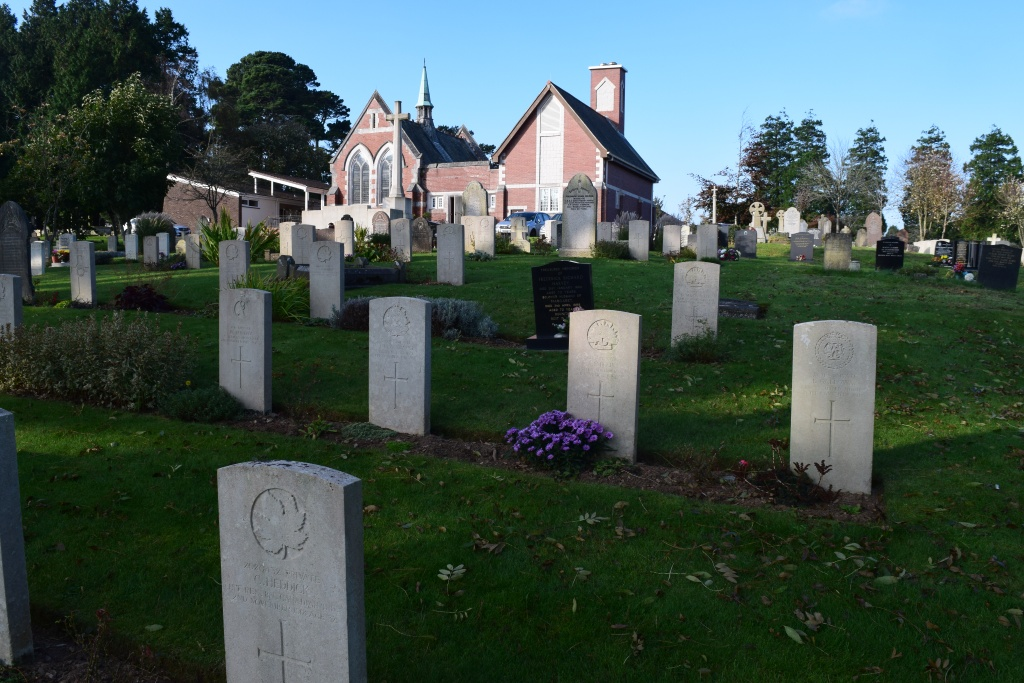 PLYMOUTH (EFFORD) CEMETERY - CWGC
