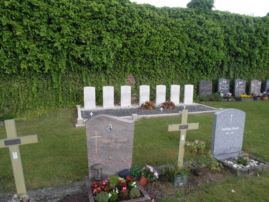 OVERIJSE (TOMBEEK) CHURCHYARD - CWGC