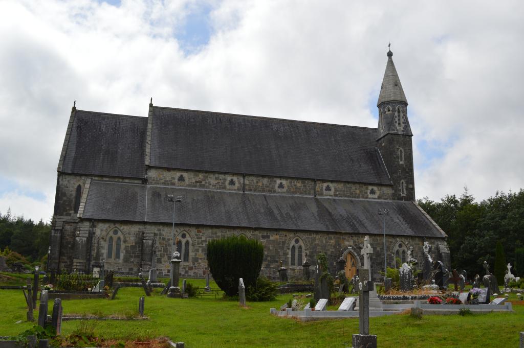 PORTLAW (ST. PATRICK) CATHOLIC CHURCHYARD - CWGC