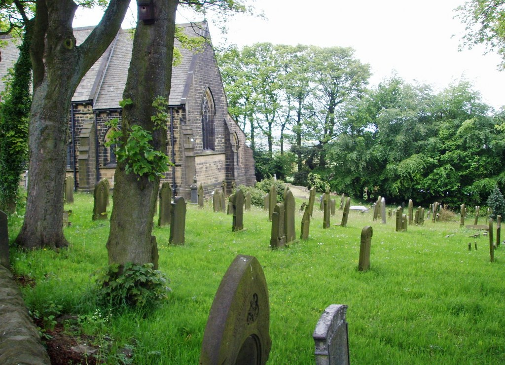 HOYLAND SWAINE (ST. JOHN) CHURCHYARD - CWGC