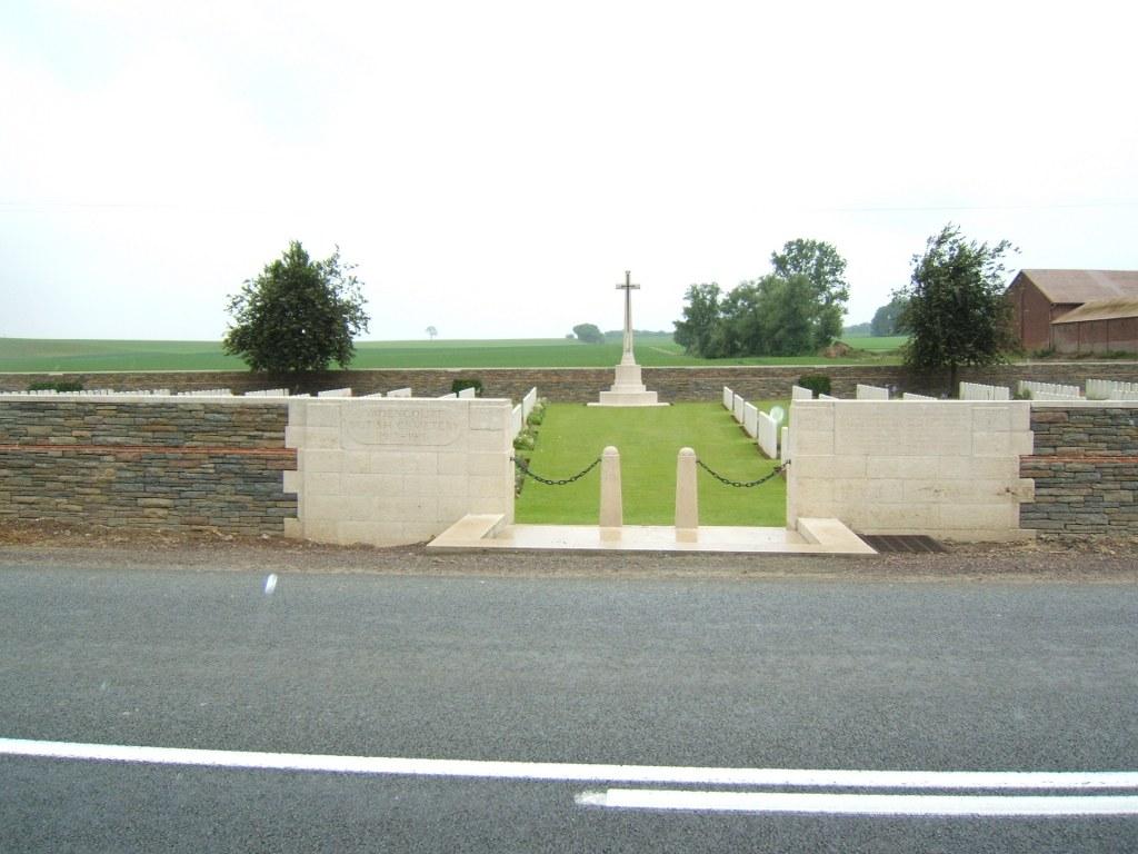VADENCOURT BRITISH CEMETERY, MAISSEMY - CWGC