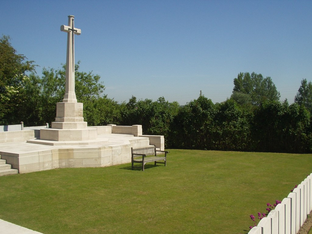 LILLERS COMMUNAL CEMETERY EXTENSION - CWGC