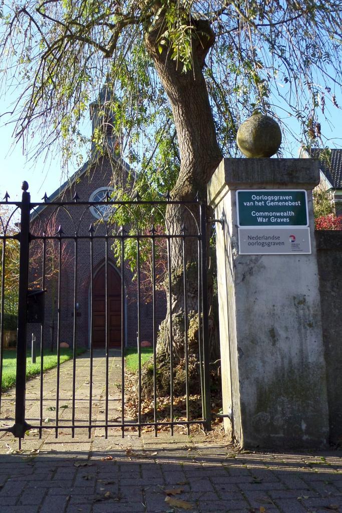 GREVENBICHT PROTESTANT CHURCHYARD - CWGC