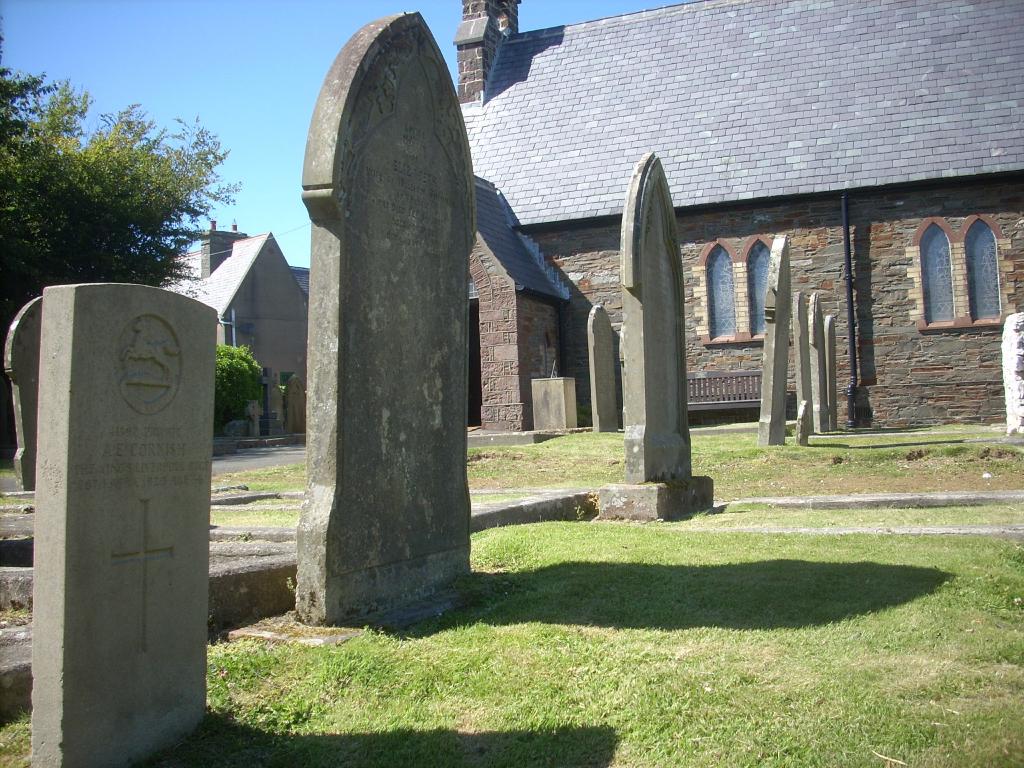 KIRK PATRICK (HOLY TRINITY) CHURCHYARD - CWGC