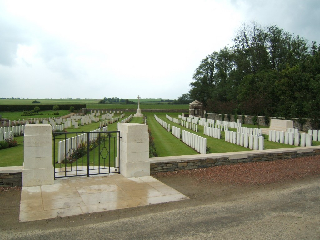 JEANCOURT COMMUNAL CEMETERY EXTENSION - CWGC