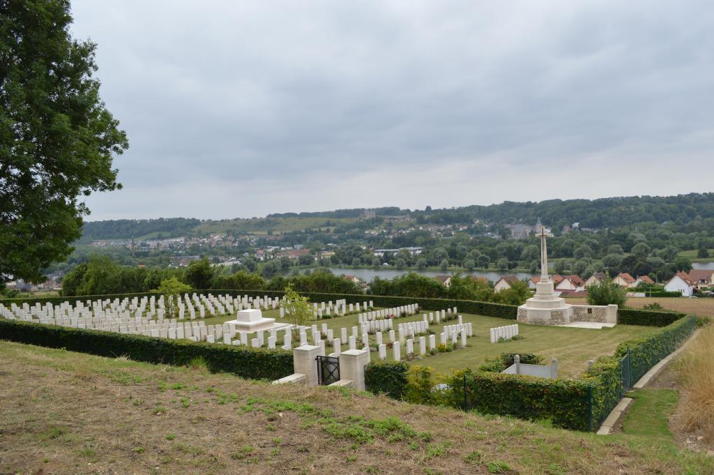 ARQUES-LA-BATAILLE BRITISH CEMETERY - CWGC