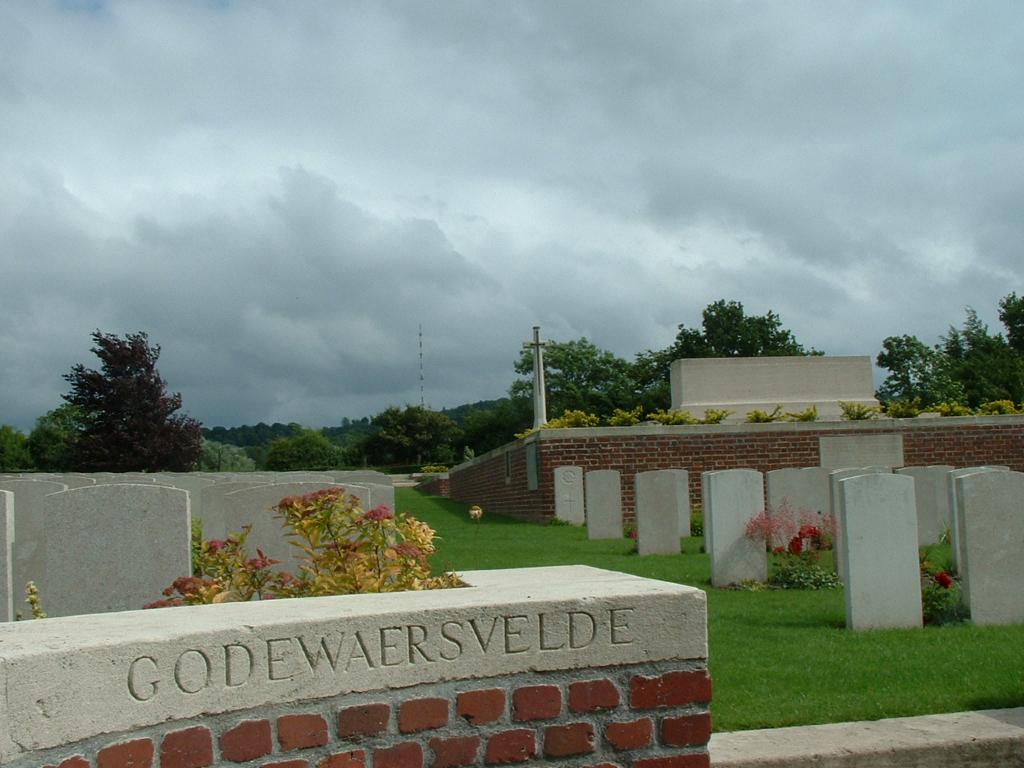 GODEWAERSVELDE BRITISH CEMETERY - CWGC