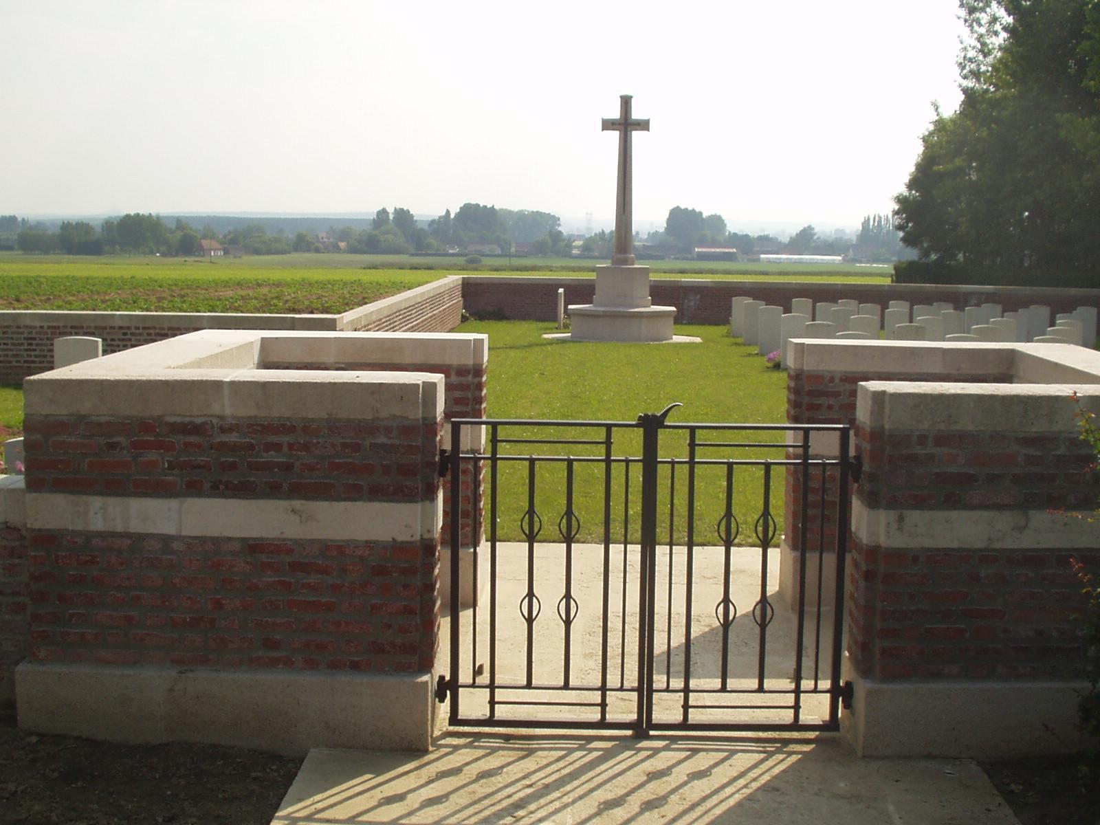 MONT-BERNANCHON BRITISH CEMETERY, GONNEHEM - CWGC