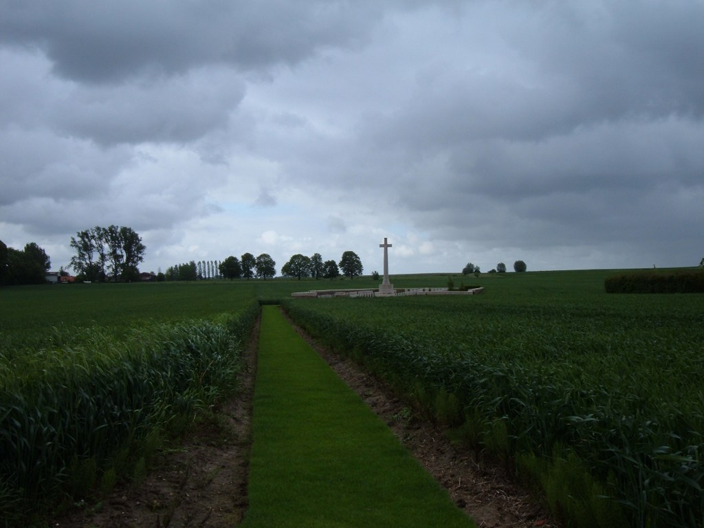 MORCHIES MILITARY CEMETERY - CWGC