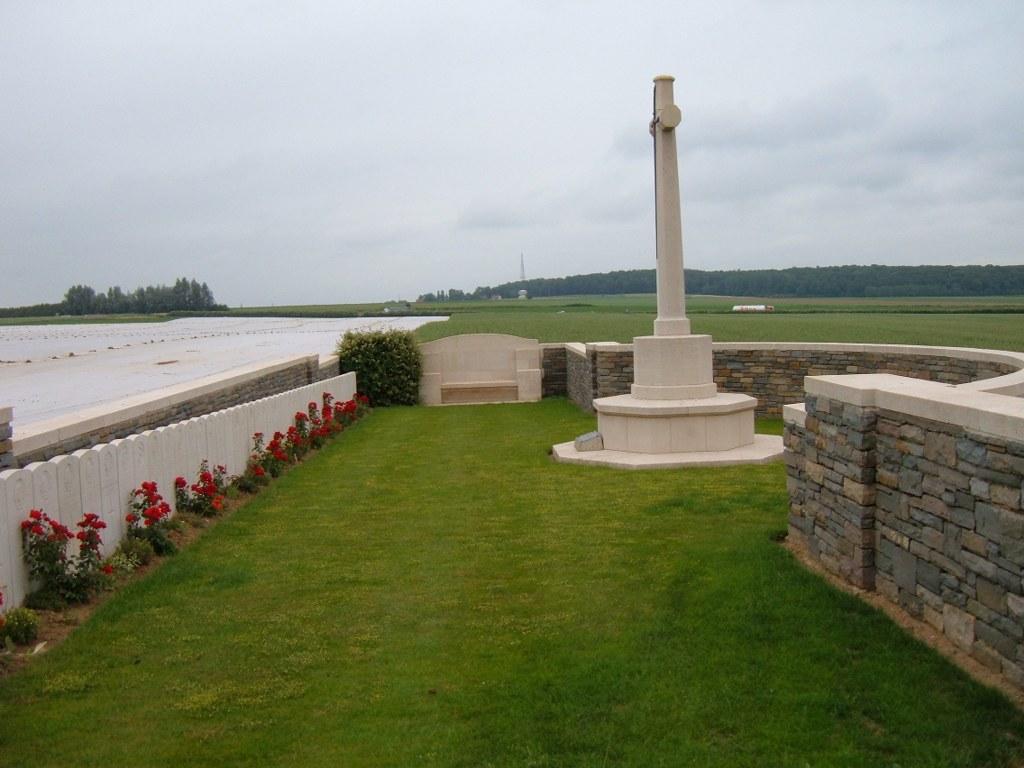 SUCRERIE BRITISH CEMETERY, GRAINCOURT-LES-HAVRINCOURT - CWGC