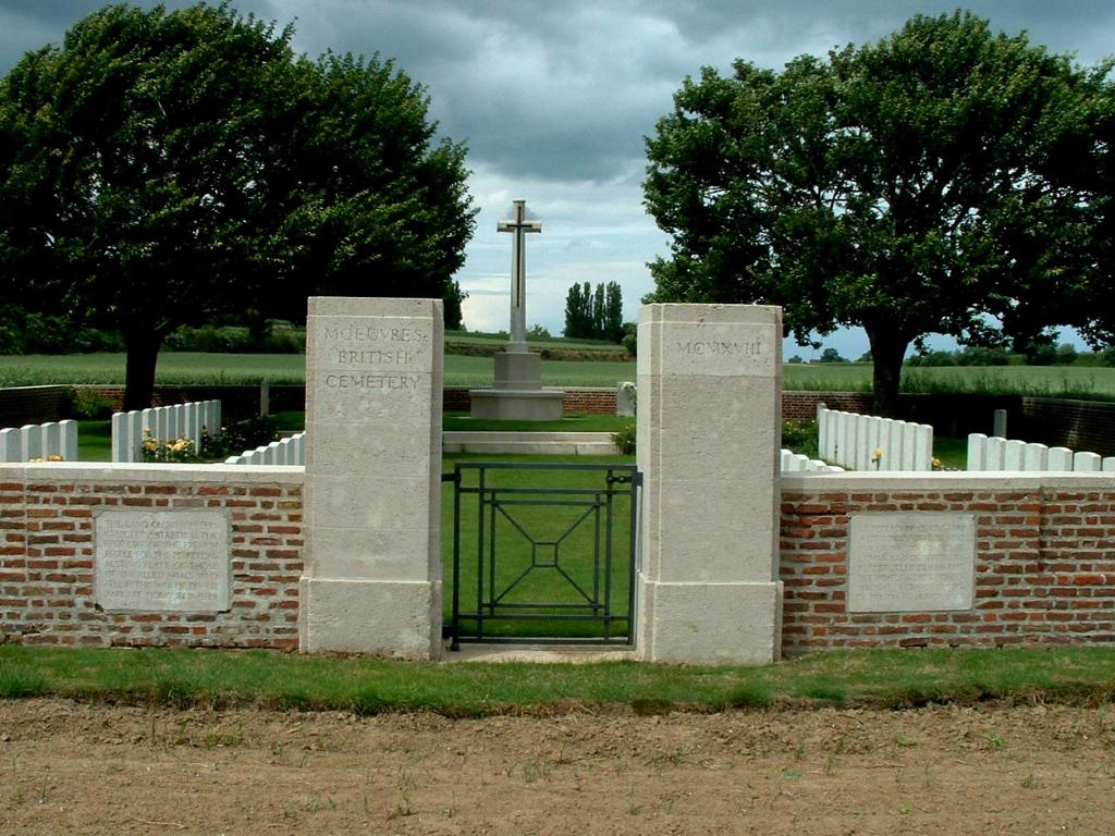 MOEUVRES BRITISH CEMETERY - CWGC