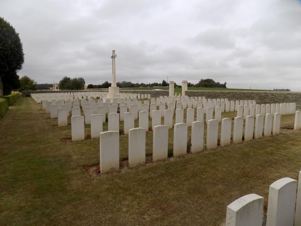 CERISY-GAILLY FRENCH NATIONAL CEMETERY - CWGC