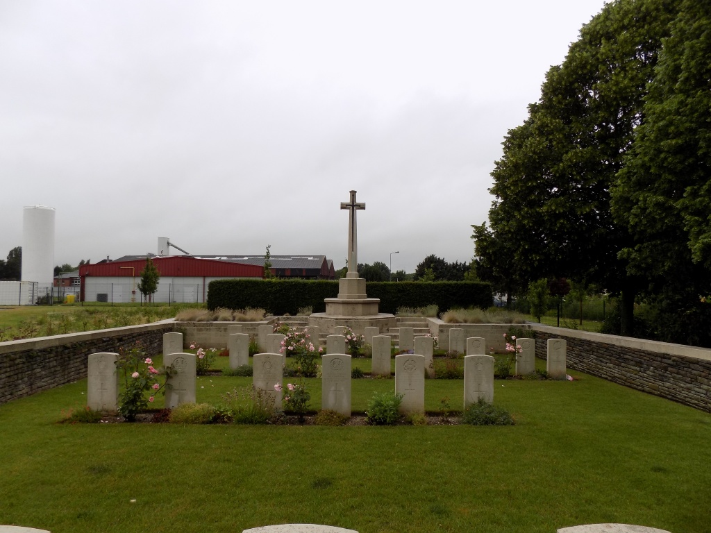 GOUROCK TRENCH CEMETERY, TILLOY-LES-MOFFLAINES - CWGC