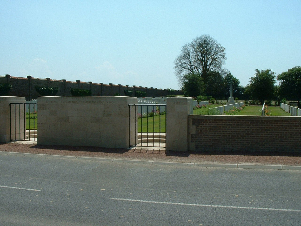 BUSIGNY COMMUNAL CEMETERY EXTENSION - CWGC