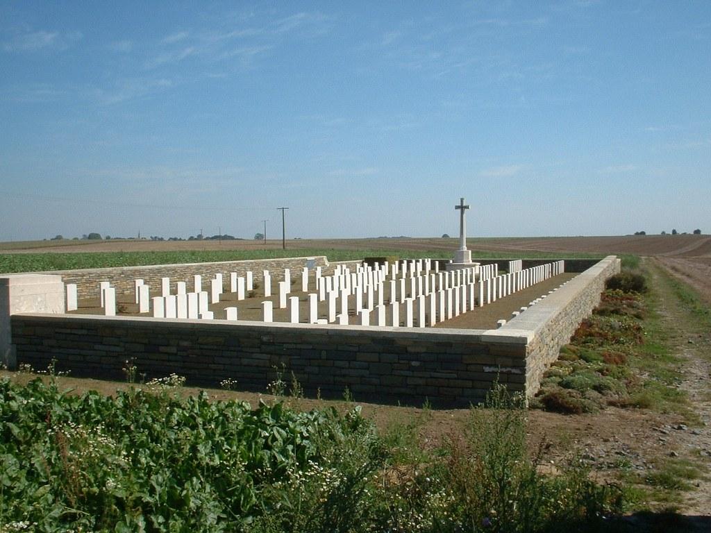NEUVILLE-BOURJONVAL BRITISH CEMETERY - CWGC