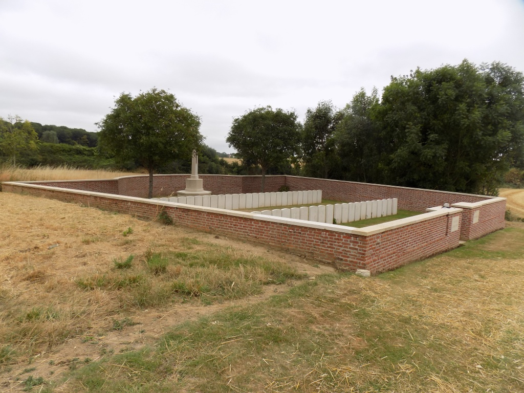 WOOD CEMETERY, MARCELCAVE - CWGC