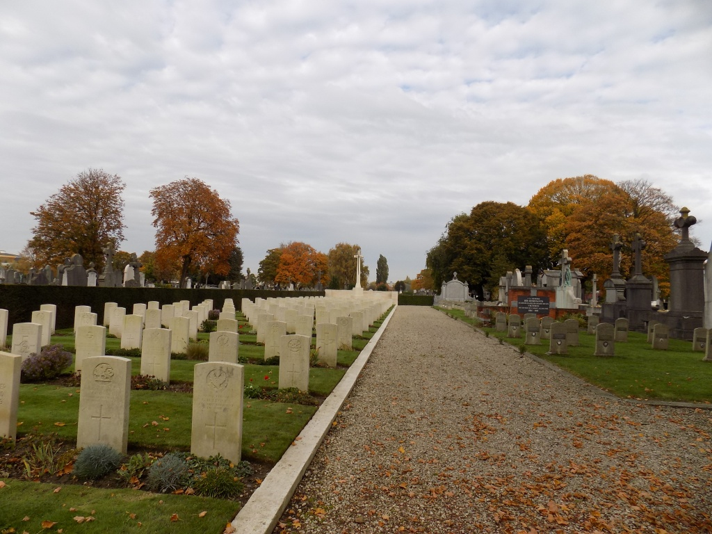 TOURCOING (PONT-NEUVILLE) COMMUNAL CEMETERY - CWGC