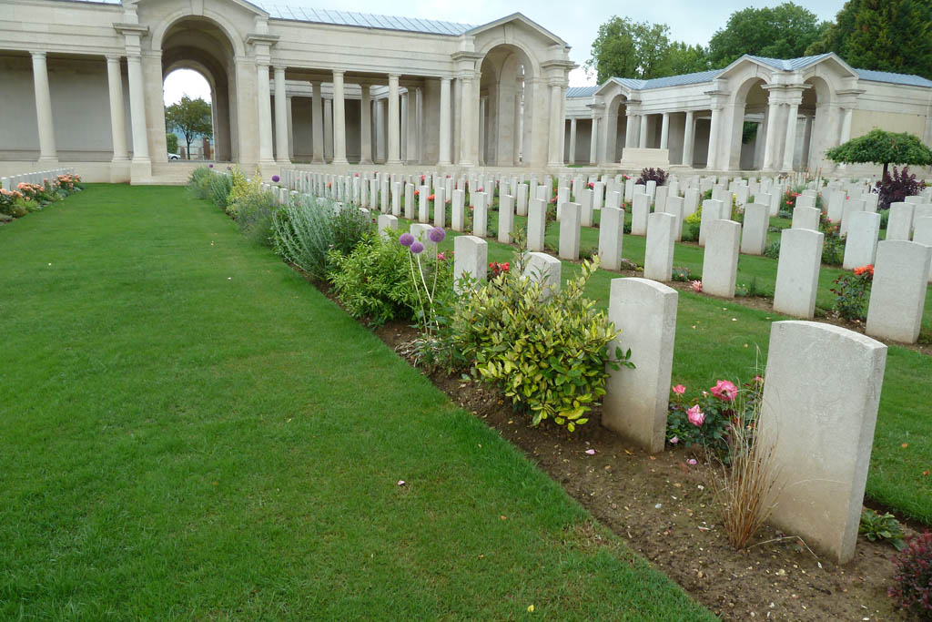 FAUBOURG D'AMIENS CEMETERY, ARRAS - CWGC