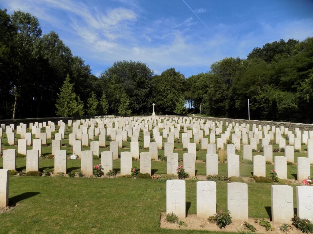 BECOURT MILITARY CEMETERY, BECORDEL-BECOURT - CWGC