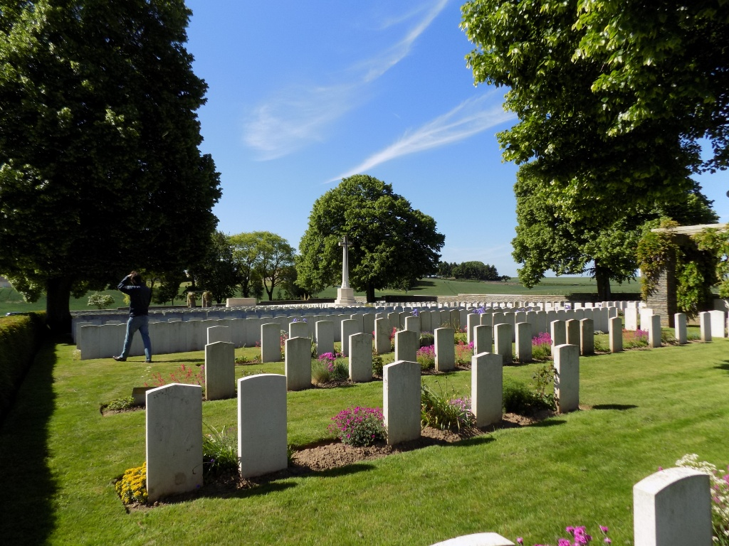 ACHIET-LE-GRAND COMMUNAL CEMETERY EXTENSION - CWGC