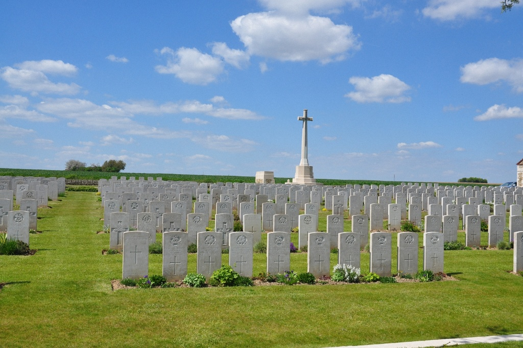 RAPERIE BRITISH CEMETERY, VILLEMONTOIRE - CWGC