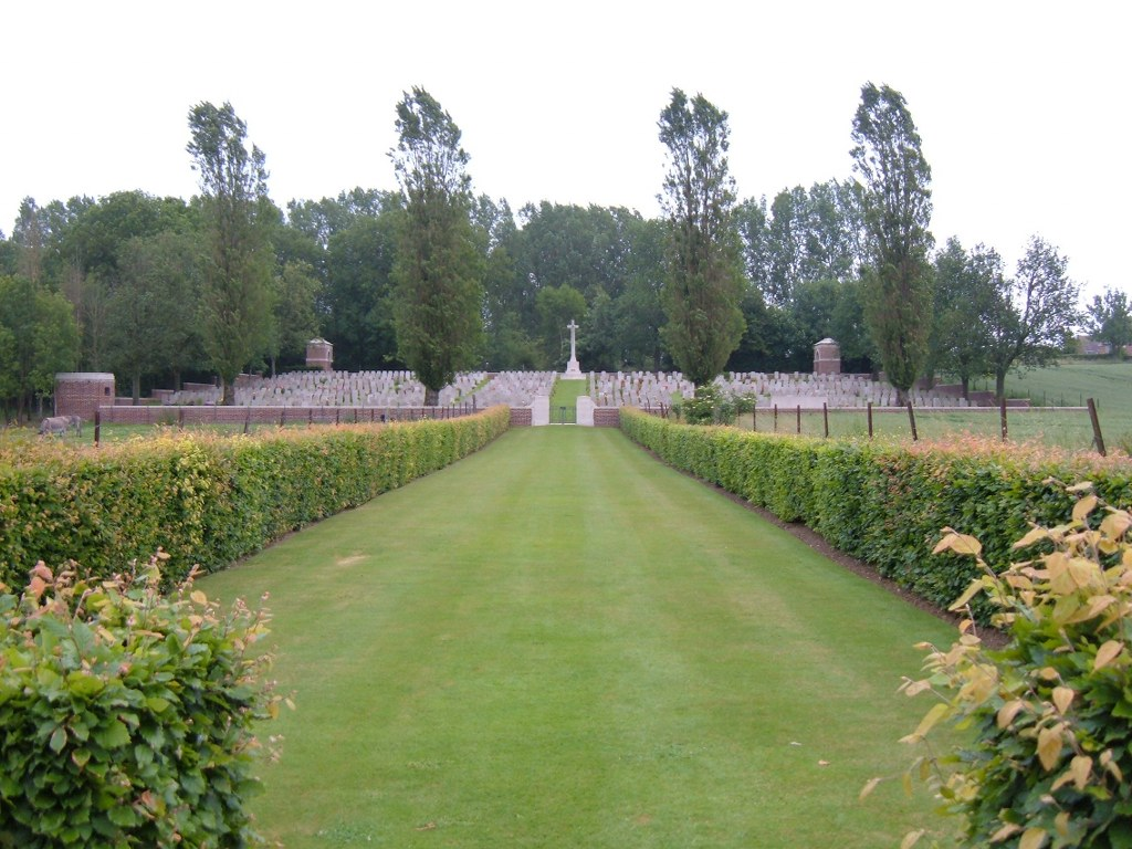 HERMIES HILL BRITISH CEMETERY - CWGC