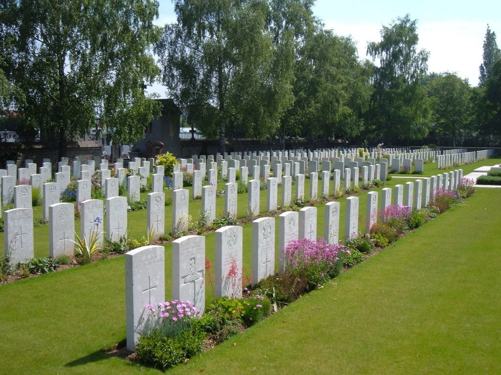 BULLY-GRENAY COMMUNAL CEMETERY, BRITISH EXTENSION - CWGC