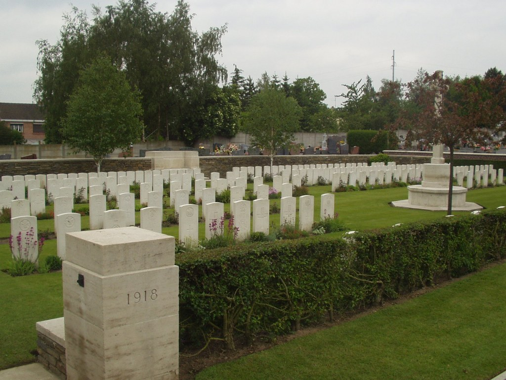 BEUVRY COMMUNAL CEMETERY EXTENSION - CWGC