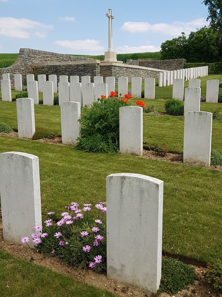 CAYEUX MILITARY CEMETERY - CWGC