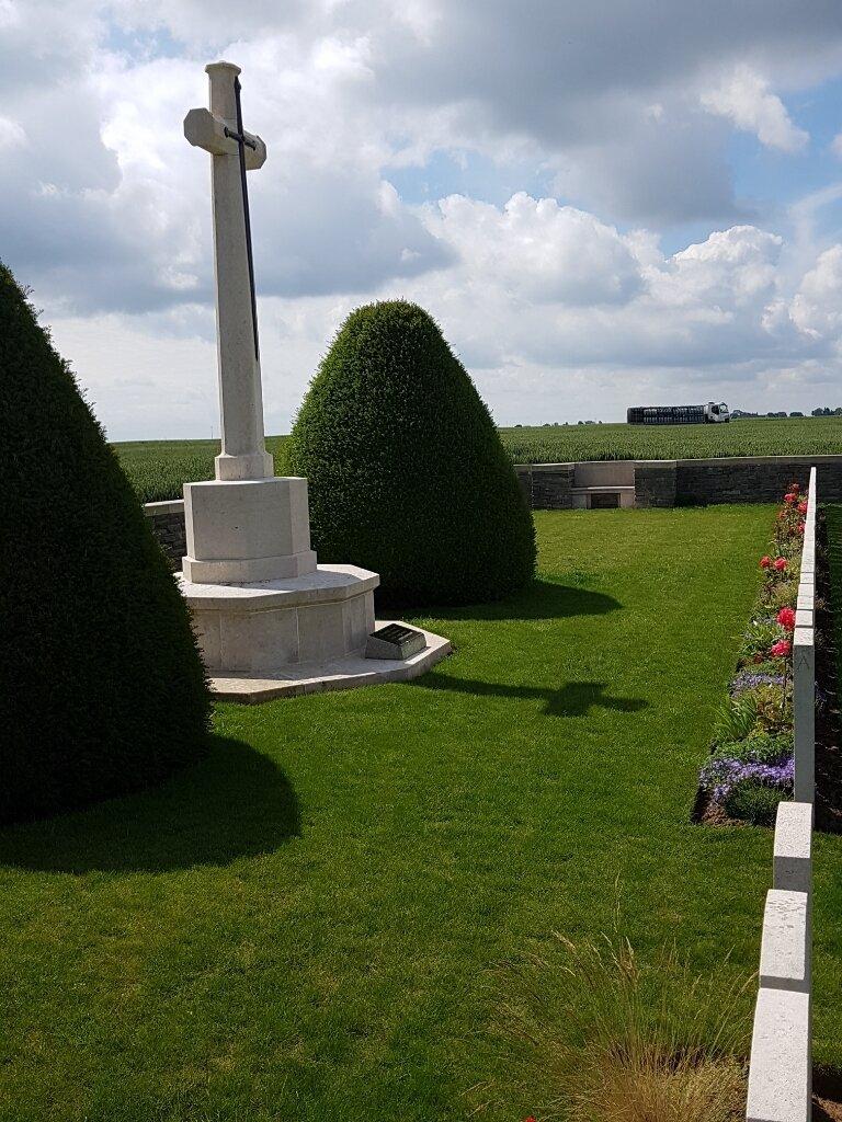 ROSIERES BRITISH CEMETERY - CWGC