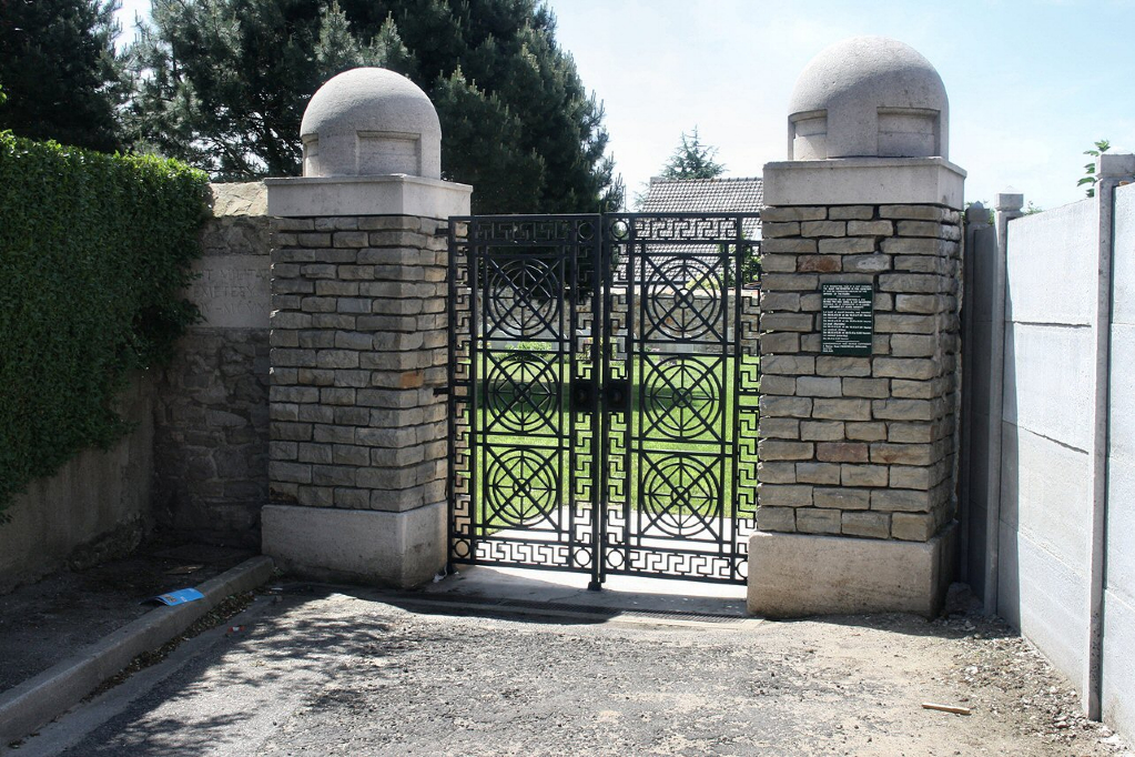 MEERUT MILITARY CEMETERY, ST. MARTIN-LES-BOULOGNE - CWGC