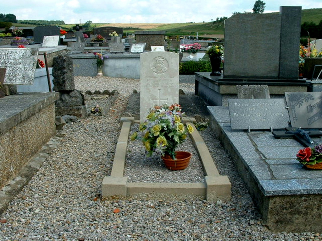 FRUGES COMMUNAL CEMETERY - CWGC
