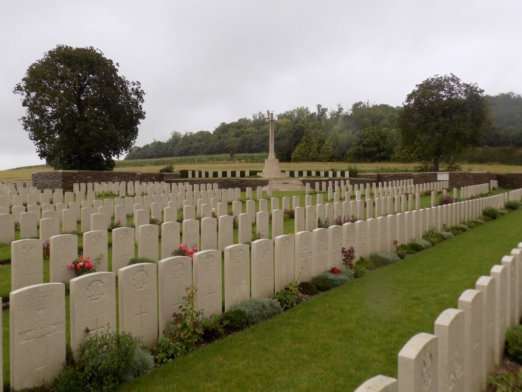 TEMPLEUX-LE-GUERARD BRITISH CEMETERY - CWGC