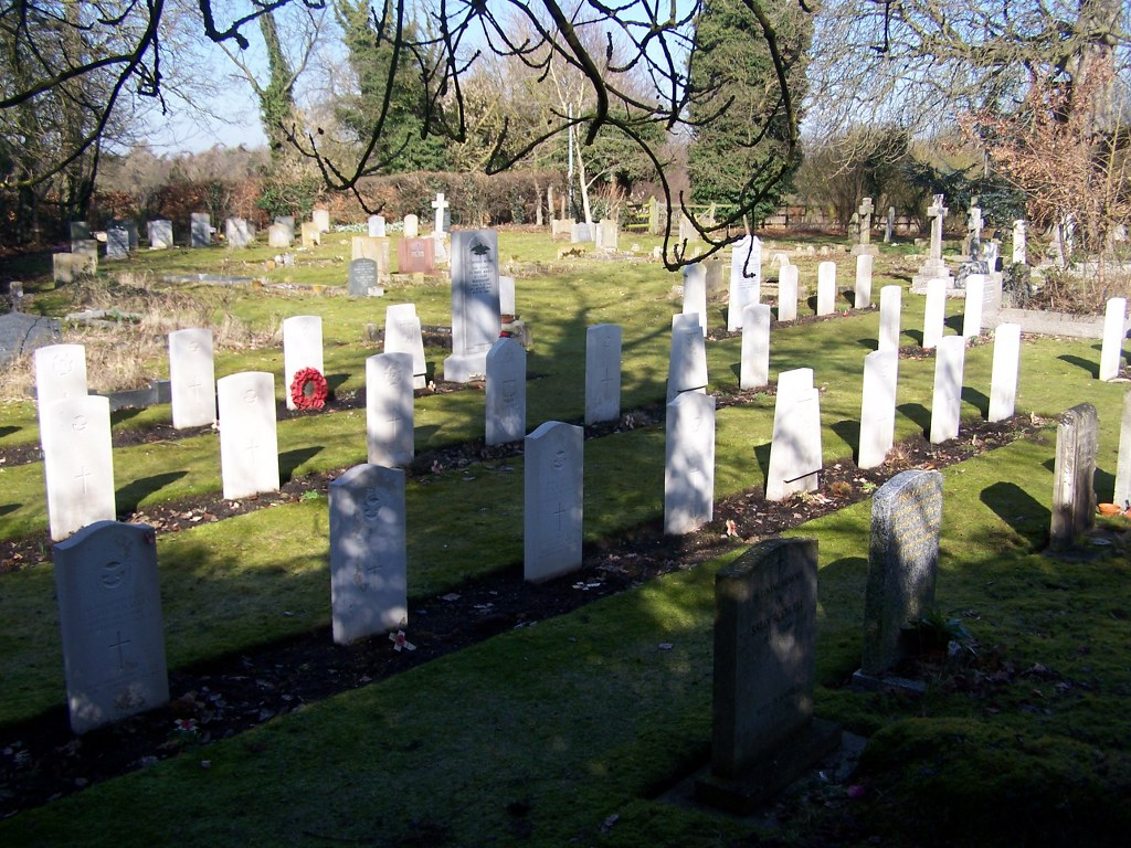 WHITTLESFORD (SS. MARY AND ANDREW) CHURCHYARD - CWGC