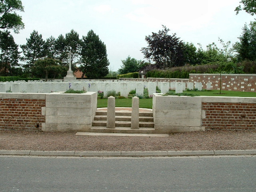 WAILLY ORCHARD CEMETERY - CWGC