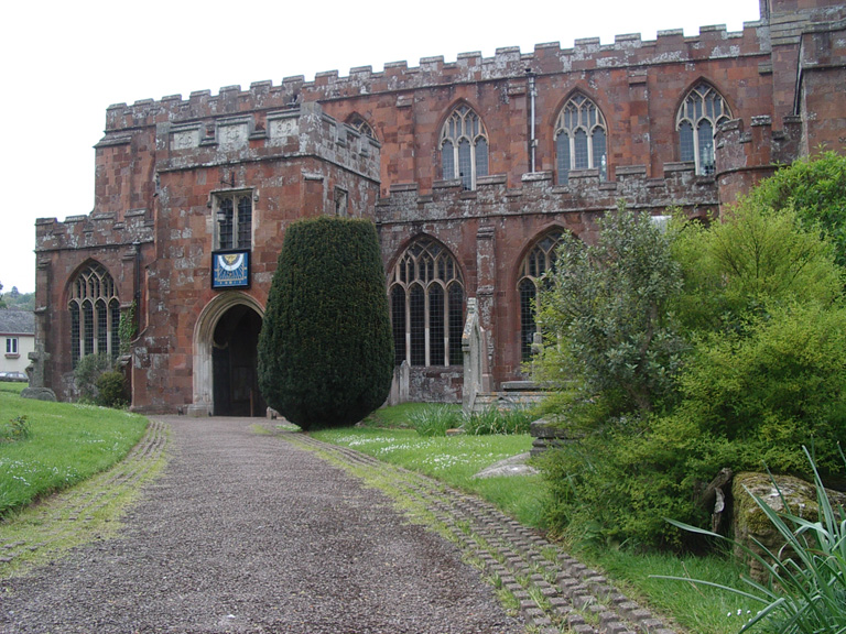 CREDITON (HOLY CROSS) CHURCHYARD - CWGC