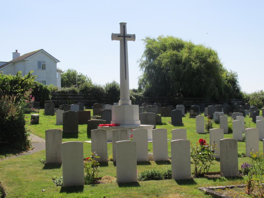 HEANTON PUNCHARDON (ST. AUGUSTINE) CHURCHYARD - CWGC