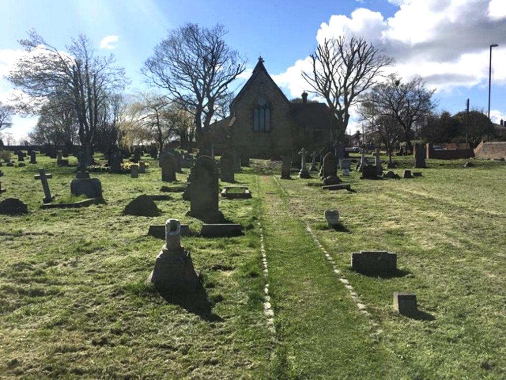 SILKSWORTH (ST. MATTHEW) CHURCHYARD - CWGC
