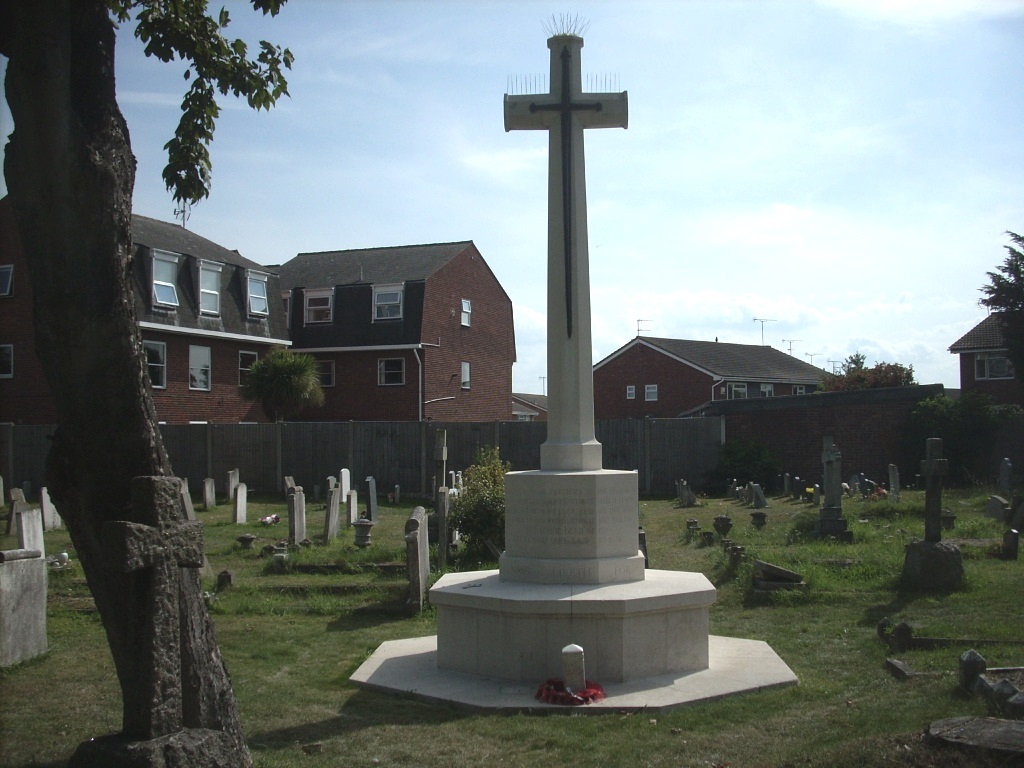 SOUTH SHOEBURY (ST. ANDREW) CHURCHYARD - CWGC