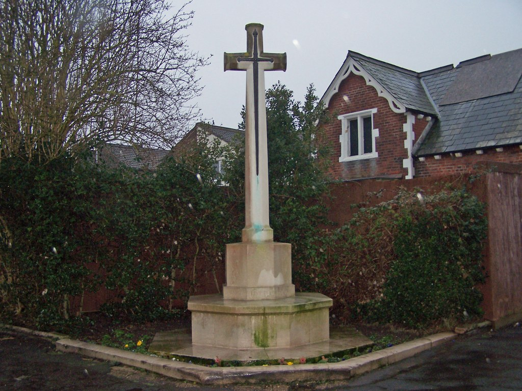 PORTSMOUTH (HIGHLAND ROAD) CEMETERY - CWGC