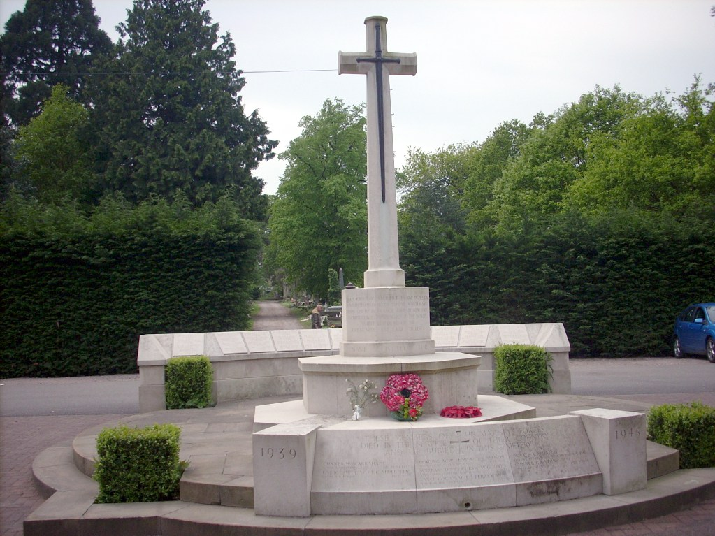 NEW SOUTHGATE CEMETERY - CWGC