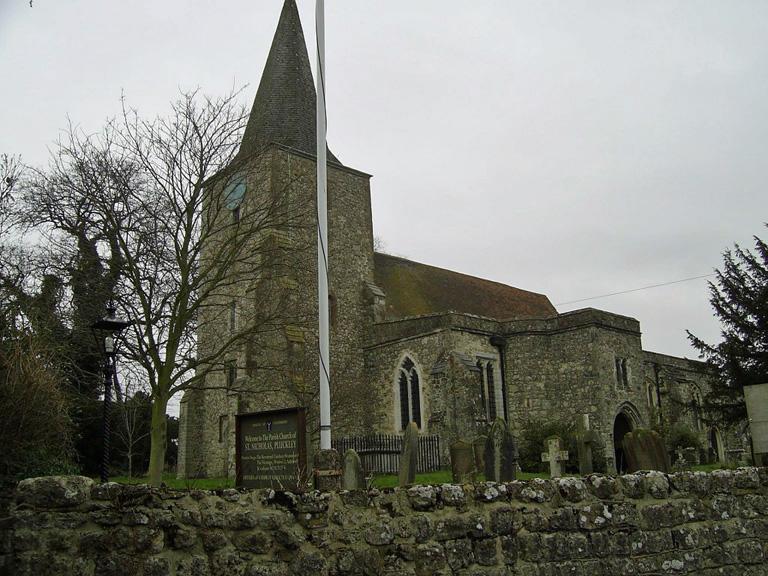 PLUCKLEY (ST. NICHOLAS) CHURCHYARD - CWGC